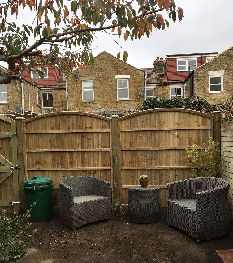 New fencing and gate made to measure